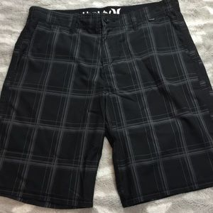 Hurley black plaid phantom shorts 34